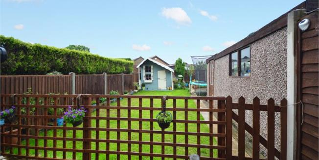 Guide Price £160,000, 3 Bedroom Semi Detached House For Sale in Thorpe Hesley, S61