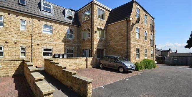 £90,000, 2 Bedroom Ground Floor Flat For Sale in High Green, S35