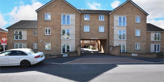 £125,000, 2 Bedroom Upper Floor Flat For Sale in Ecclesfield, S35