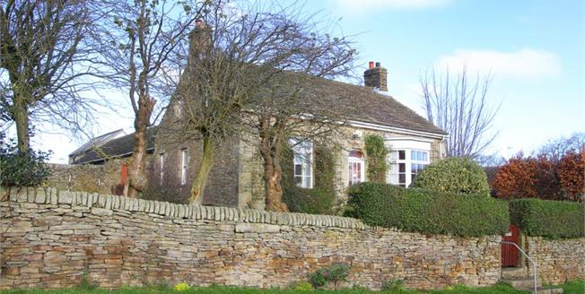 Guide Price £375,000, 3 Bedroom Detached Bungalow For Sale in Wadshelf, S42