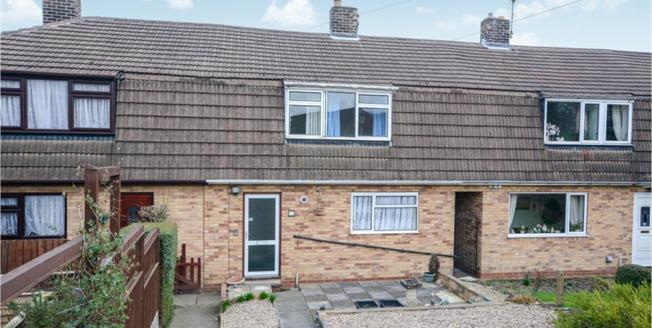 Guide Price £100,000, 3 Bedroom Terraced House For Sale in Chesterfield, S41