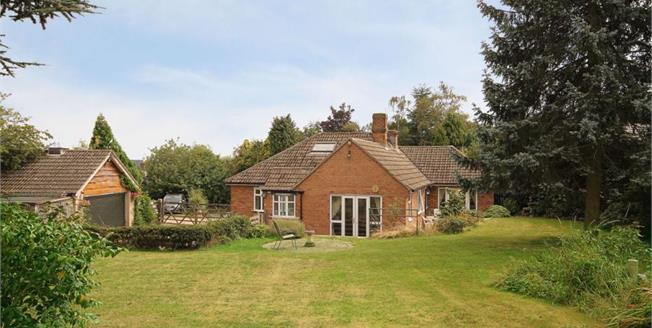 £400,000, 3 Bedroom Detached House For Sale in Halfway, S20