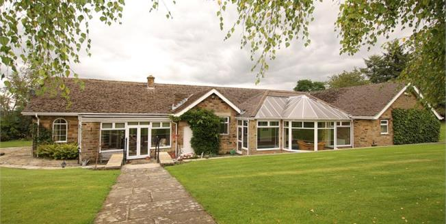 £825,000, 4 Bedroom Detached House For Sale in Barlow, S18