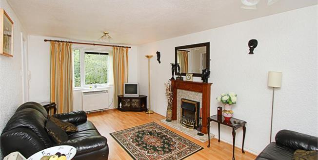 Guide Price £70,000, 2 Bedroom Upper Floor Flat For Sale in Sheffield, S9