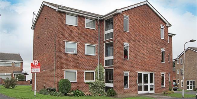 Guide Price £85,000, 2 Bedroom Upper Floor Flat For Sale in Sheffield, S12