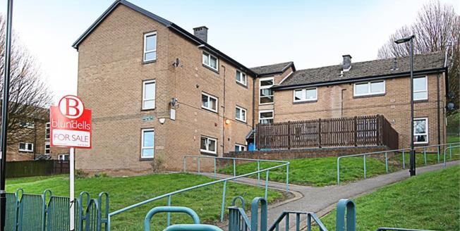 Guide Price £70,000, 2 Bedroom Upper Floor Flat For Sale in Sheffield, S2