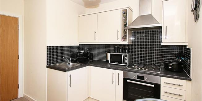Guide Price £95,000, 1 Bedroom Upper Floor Flat For Sale in Sheffield, S12