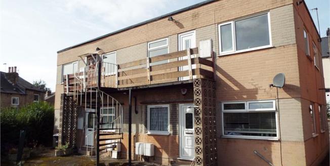 Guide Price £40,000, 2 Bedroom Upper Floor Flat For Sale in Sheffield, S6