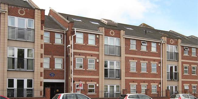 £125,000, 2 Bedroom Flat For Sale in Sheffield, S8