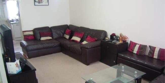 £230,000, 2 Bedroom Terraced House For Sale in Ilford, IG3