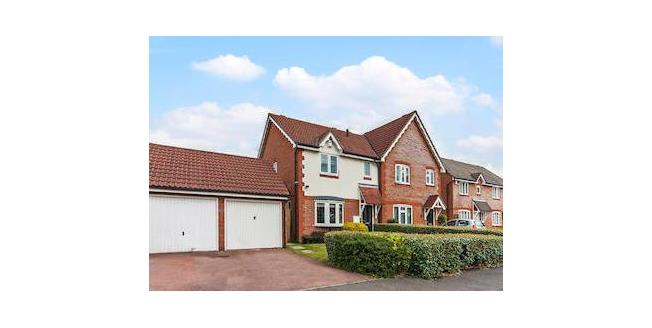 Fixed Price £425,000, 3 Bedroom Semi Detached House For Sale in Chadwell Heath, RM6