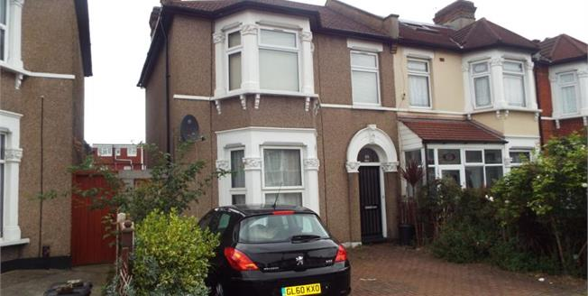 £225,000, 1 Bedroom Ground Floor Flat For Sale in Ilford, IG1