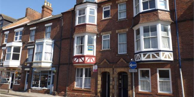 £95,000, 2 Bedroom Upper Floor Flat For Sale in Norfolk, NR27