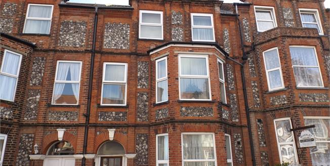 Offers in excess of £90,000, 1 Bedroom Flat For Sale in Cromer, NR27