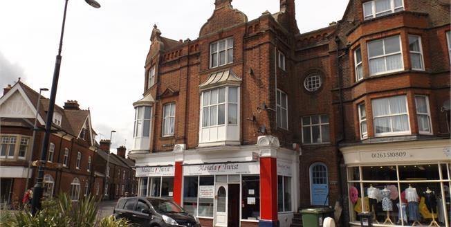 Asking Price £135,000, 3 Bedroom Flat For Sale in Cromer, NR27