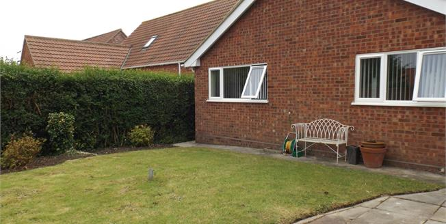 Guide Price £260,000, 2 Bedroom Detached Bungalow For Sale in Overstrand, NR27