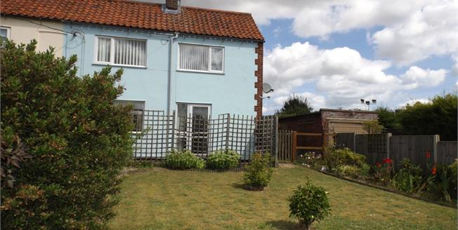 Asking Price £178,000, 3 Bedroom Semi Detached Cottage For Sale in North Walsham, NR28