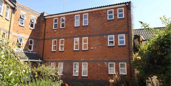 Guide Price £80,000, 1 Bedroom Flat For Sale in North Walsham, NR28