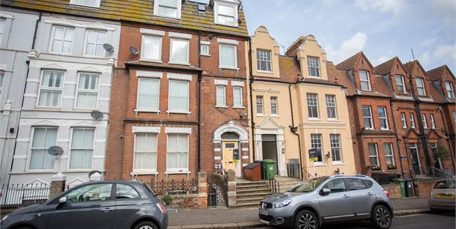 Asking Price £145,000, 2 Bedroom Flat For Sale in Norfolk, NR27