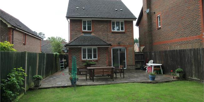 Asking Price £450,000, 3 Bedroom Detached House For Sale in Camberley, GU15
