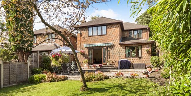 Asking Price £835,000, 4 Bedroom Detached House For Sale in Lightwater, GU18