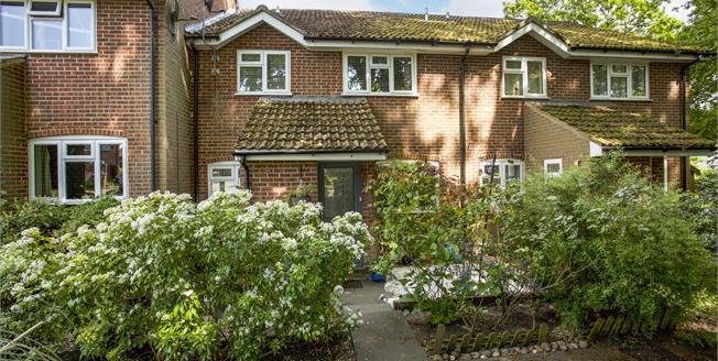 Asking Price £299,950, 2 Bedroom Terraced House For Sale in Lightwater, GU18