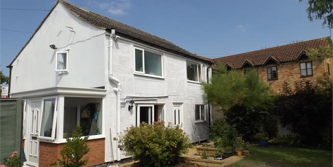 Asking Price £250,000, 3 Bedroom Detached House For Sale in King's Lynn, PE34
