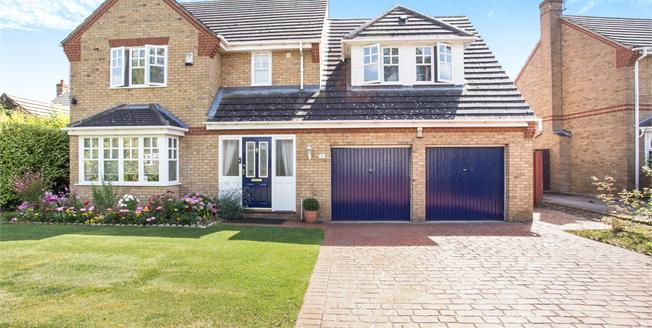 Guide Price £340,000, 5 Bedroom Detached House For Sale in Upwell, PE14
