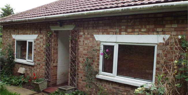 Guide Price £170,000, 2 Bedroom Detached Bungalow For Sale in Fordham, PE38