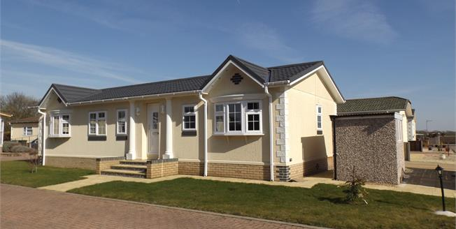 Asking Price £175,000, 2 Bedroom Mobile Home For Sale in Waterbeach, CB25