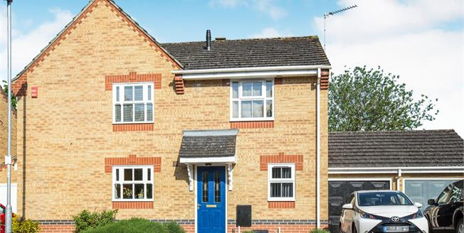 Guide Price £250,000, 2 Bedroom Semi Detached House For Sale in Ely, CB7