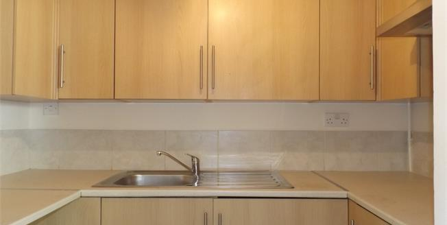 Guide Price £85,000, 1 Bedroom Flat For Sale in Fakenham, NR21