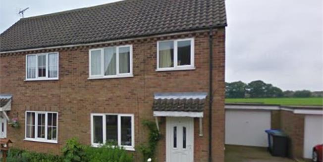 Guide Price £200,000, 3 Bedroom Semi Detached House For Sale in Reydon, IP18