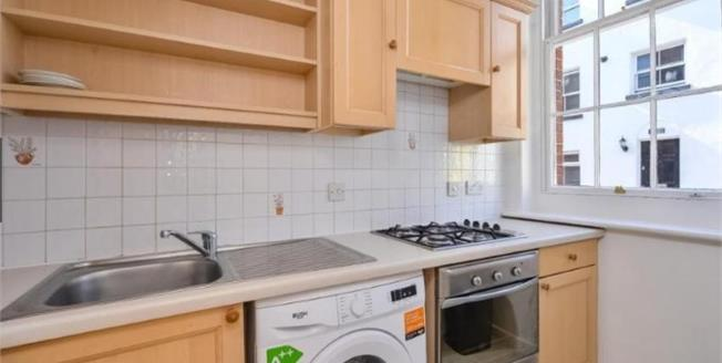 Guide Price £400,000, 2 Bedroom Terraced House For Sale in Brighton, BN1