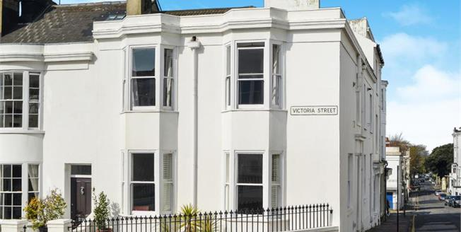Guide Price £625,000, 3 Bedroom House For Sale in Brighton, BN1