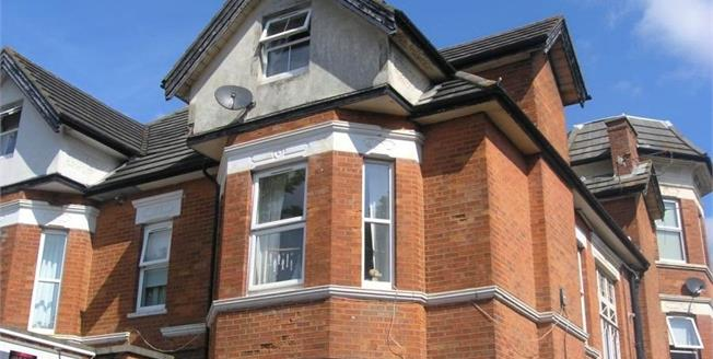 Asking Price £110,000, 1 Bedroom Flat For Sale in Bournemouth, BH7