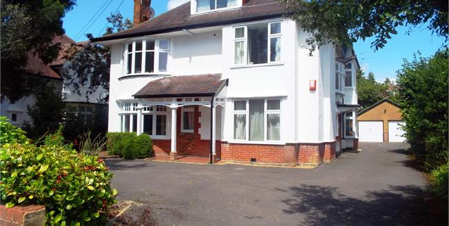 Offers Over £190,000, 2 Bedroom Flat For Sale in Bournemouth, BH8