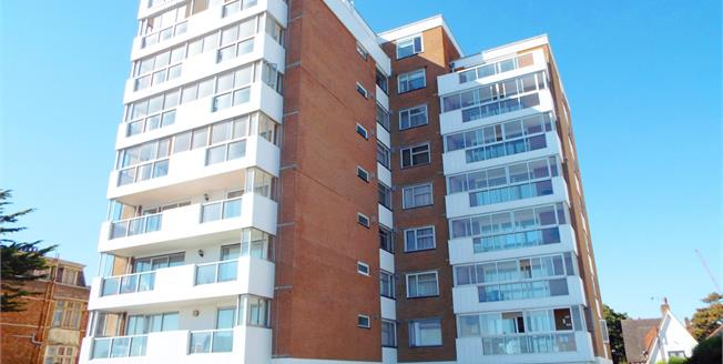 Guide Price £400,000, 3 Bedroom Flat For Sale in Bournemouth, BH1
