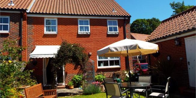 £250,000, 4 Bedroom End of Terrace Cottage For Sale in Heacham, PE31