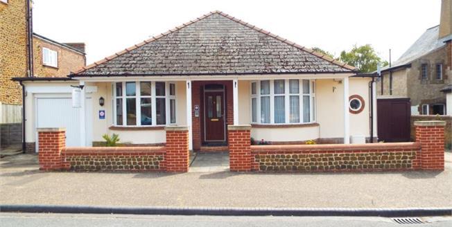 Guide Price £395,000, 4 Bedroom Detached Bungalow For Sale in Hunstanton, PE36