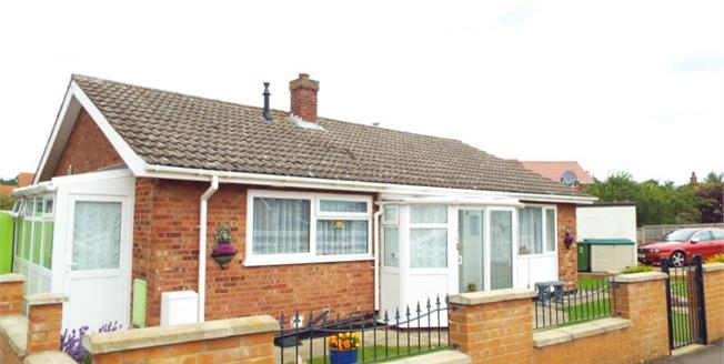 £220,000, 3 Bedroom Detached Bungalow For Sale in Snettisham, PE31