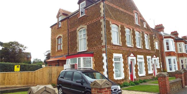 Asking Price £280,000, 4 Bedroom Semi Detached House For Sale in Hunstanton, PE36