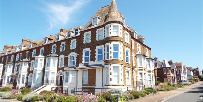 Asking Price £139,500, 1 Bedroom Flat For Sale in Hunstanton, PE36