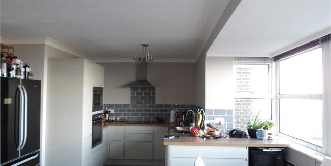 Guide Price £250,000, 2 Bedroom Flat For Sale in Hunstanton, PE36