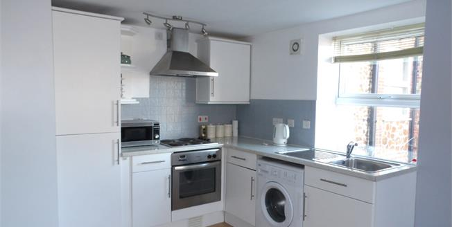 Asking Price £160,000, 2 Bedroom Flat For Sale in Hunstanton, PE36