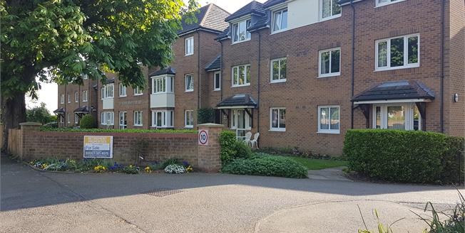 Asking Price £135,000, 2 Bedroom Flat For Sale in Hunstanton, PE36