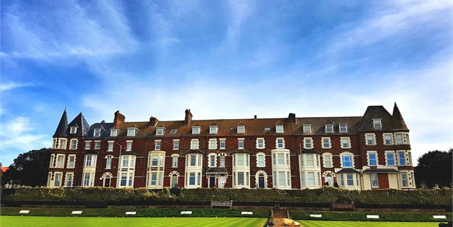 Guide Price £210,000, 2 Bedroom Flat For Sale in Hunstanton, PE36