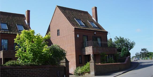 Guide Price £525,000, 4 Bedroom Detached House For Sale in Old Hunstanton, PE36