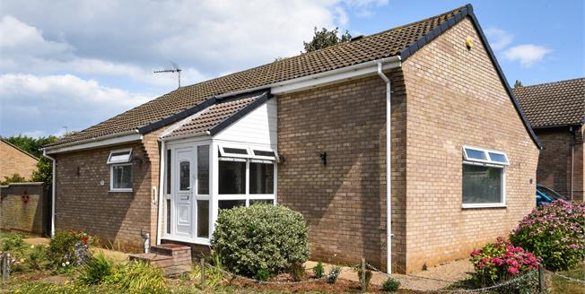 Asking Price £315,000, 3 Bedroom Detached Bungalow For Sale in Hunstanton, PE36
