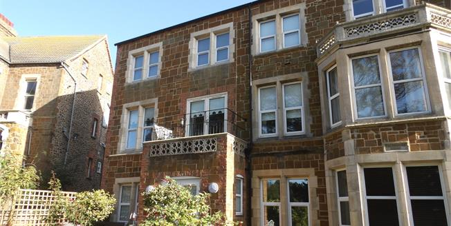 Asking Price £175,000, 1 Bedroom Flat For Sale in Hunstanton, PE36